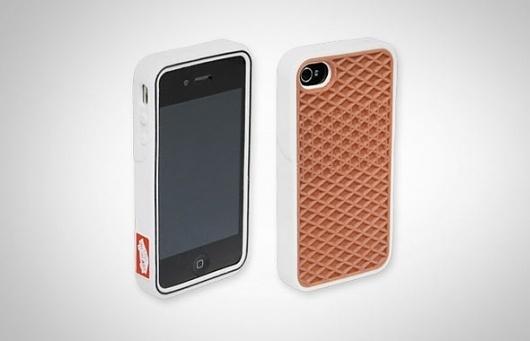 iPhone-Rubber-Case.jpg (590×380) #iphone #case #vans