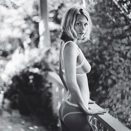 Gear Girl – January Jones | Gear Patrol #underwear #jones #white #woman #january #black #men #and #beautiful #mad