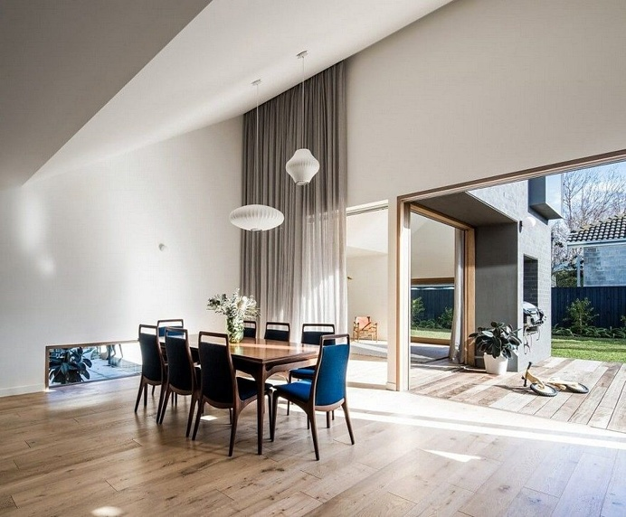 This Black Brick House Features Generous Spaces with a High Degree of Flexibility 2