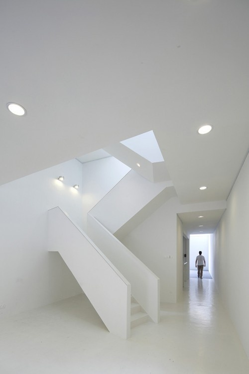 http://blog.leibal.com/interiors/residential/gallery-house-2/ #interior #design #minimalism