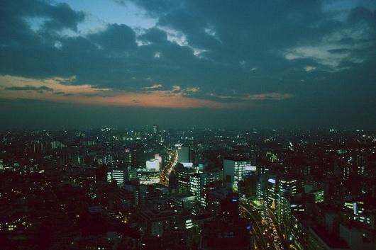 pock4.jpg (JPEG Image, 800x533 pixels) #clouds #retro #saturation #tokyo #grain #skyline