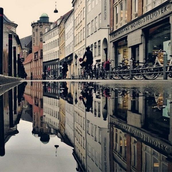 CJWHO ™ (Unique Reflective Cityscapes Turn Copenhagen...) #city #photography #reflection