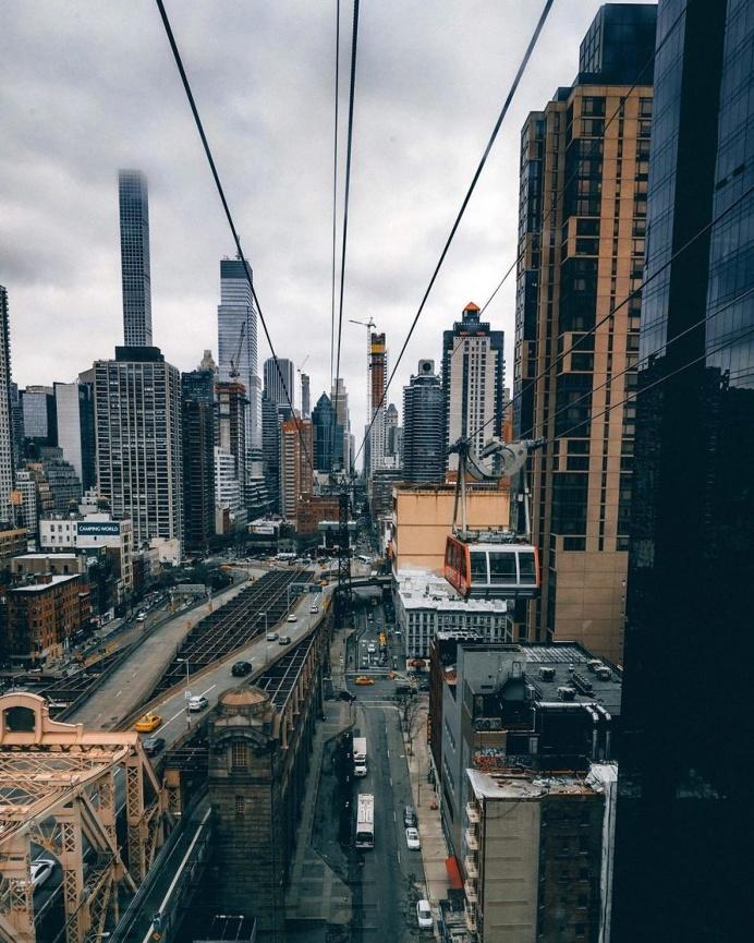 Vibrant Street Photographs of New York City by Henry Kornaros