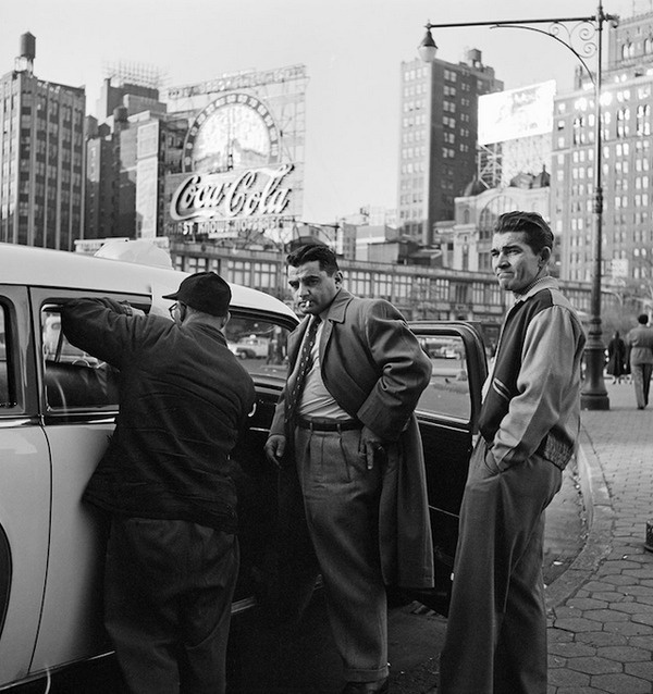 Black and White Photography by Vivian Maier #inspiration #white #black #photography #and