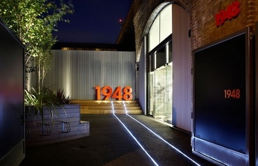 london-1948-01-570x368.jpg (JPEG Image, 570x368 pixels) #pop #design #exhibition #store #nike #up #fashion