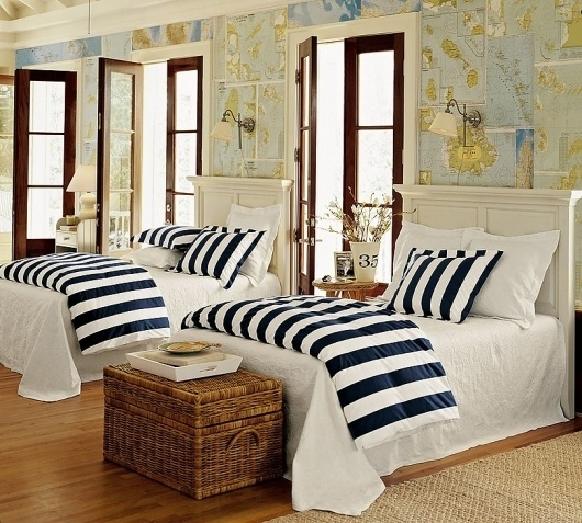 white-and-blue-nautical-bedroom-map-wallpaper-wall-covering.jpg 810×729 pixels #bed #nautical