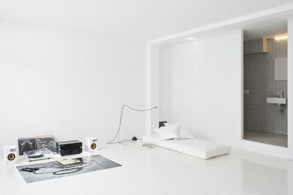 The White Retreat by CaSA #modern #design #minimalism #minimal #leibal #minimalist
