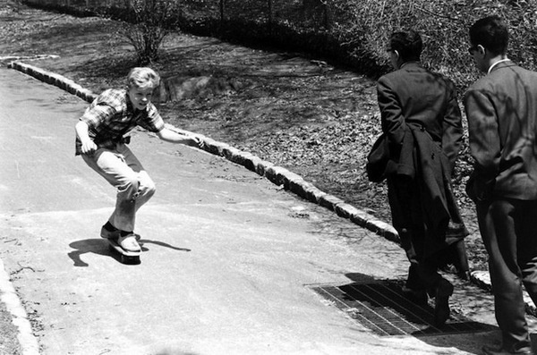 billeppridgeskateboardinginnyc_09.jpeg #b&w #oldschool #skateboard #1960s #york #nyc #new