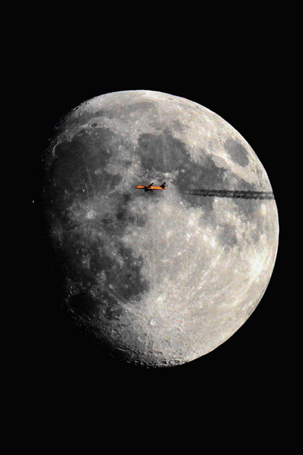 Out of this World Planes Flying in Front of the Sun and Moon My Modern Metropolis #flight #space #photography #plane #planet #moon