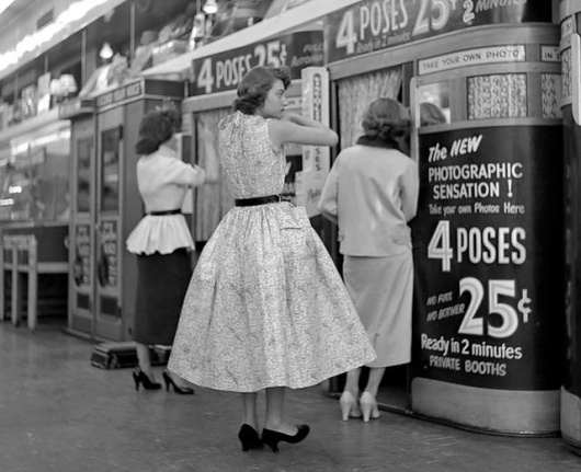 NYC Street Photographer's 1950s Photos Found, Headed To Queens Museum Of Art: Gothamist #signage #lettering #hand #vintage