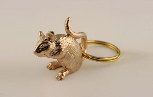 urban taster | stuff we like #keychain #rat #gold #mouse