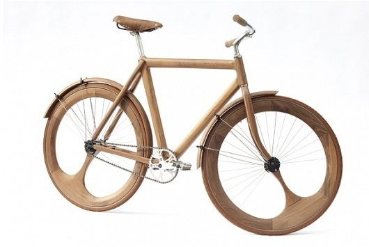 A Bike Made Almost Entirely of Wood - DesignTAXI.com #wood #bike #work