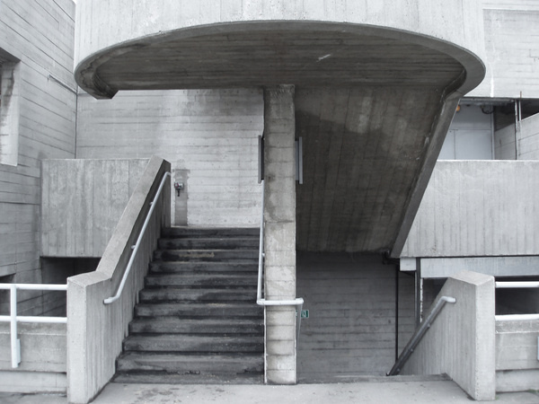 http://creativity103.com/collections/Interference/Queen_Elizabeth_Hall_P1049815.JPG #brutalist #southbank #elizabeth #architecture #hall #stairs #queen