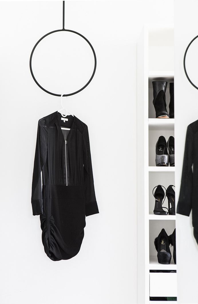 The Design Chaser: Interior Styling   The Simple Hanger #interior #design #decor #deco #decoration