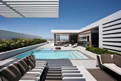 """""""Harborview Hills"""" by Laidlaw Schultz Architects #architecture #house #modern"""