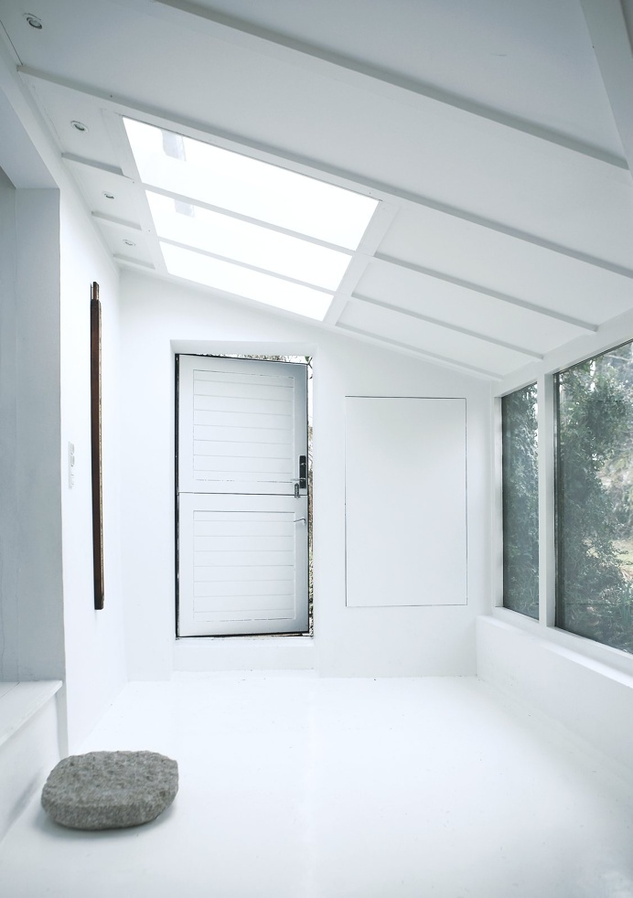 Vedbæk House I by Norm.Architects. © Jonas Bjerre-Poulsen. #entryway #contemporary