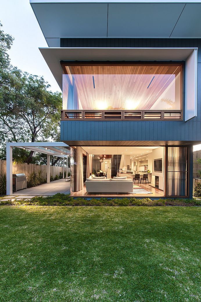 Chic Sydney House Extends Its Living Area With A Cool Glass-Roofed Pergola #architecture #house #sydney
