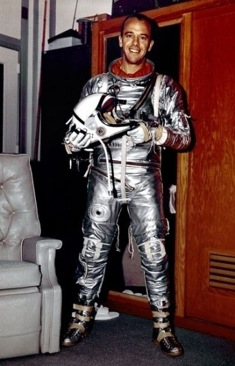 Photos: Space Suit Evolution Since First NASA Flight #pressure #america #suit #space