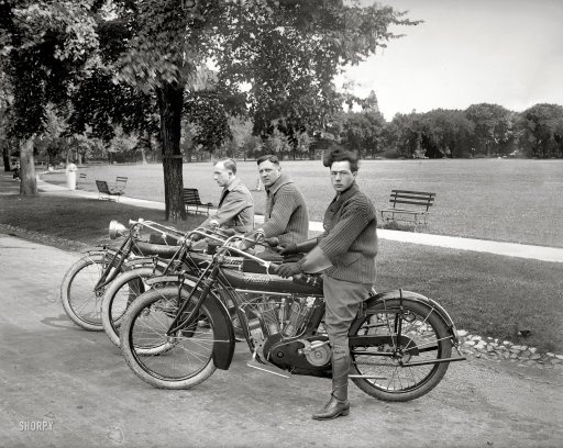 Three Indians: 1915 | Shorpy Historic Photo Archive #motorcycles