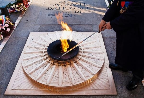 90 years of the eternal flame at Paris's Arc de Triomphe #flame #eternal