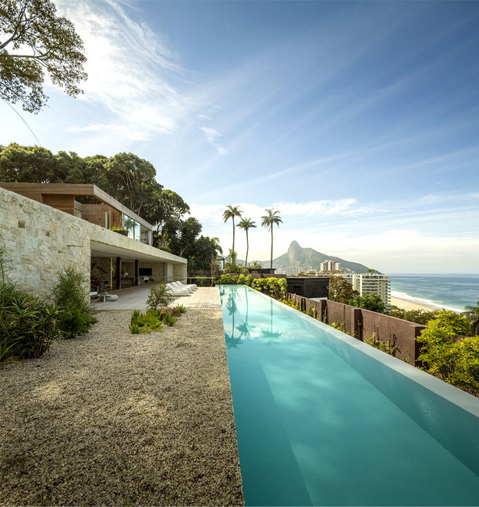 AL House Breathtaking View and Sandstone Walls al house studio arthur casas pool #outdoor #pgotography #architecture #pool