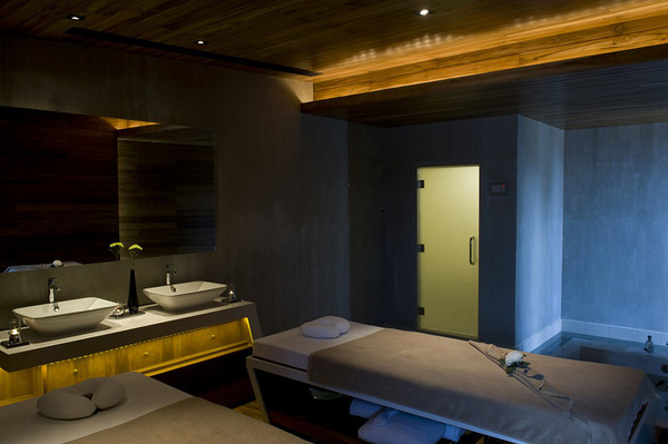 Unique Modern Bathroom Furniture and Lighting #interior #design #bathroom #bathtub #decoration