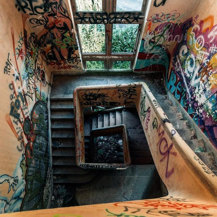Abandoned, Rooftop and Urban Instagrams by Mindwide