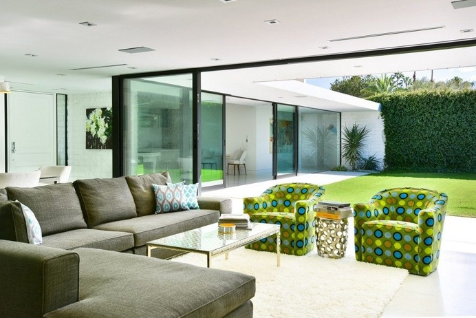 Rare Modernist Home Gets Restored and Updated 6