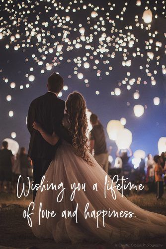 Depending on how you know the engaged couple there are a few DOs and DON'Ts that you'll want to be aware of, and plenty of examples to help you fine tune your wedding congratulations.