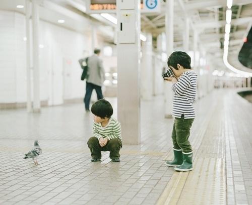 Tumblr #train #tokio #pidgeon #camera #photography #metro #kids