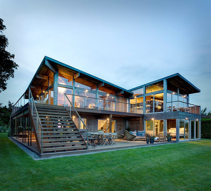 1970s Oceanview Kit House Upgraded to Elegant Family Home #oceanview #architecture