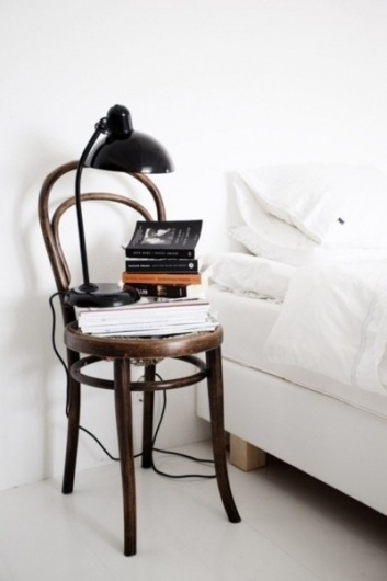 DryRoatedEdamame #white #bedside #books #all #simple #bed