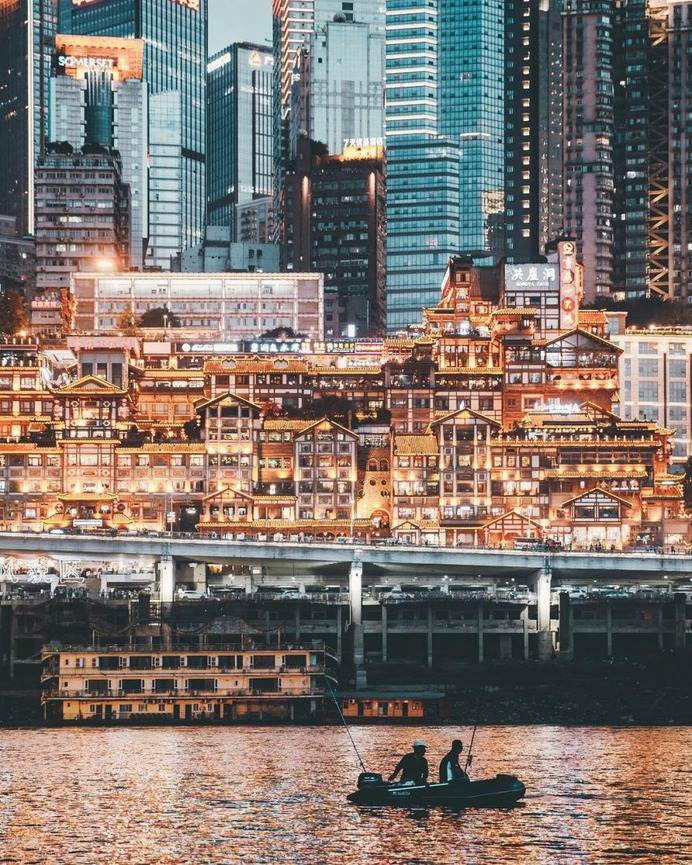 Creative Urban and Street Photography in Chongqing by Zhu Wenqiao