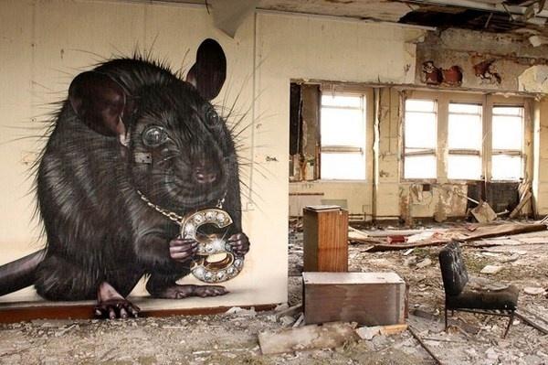 Black rat animal street art #graffiti #realism #street #art #realistic