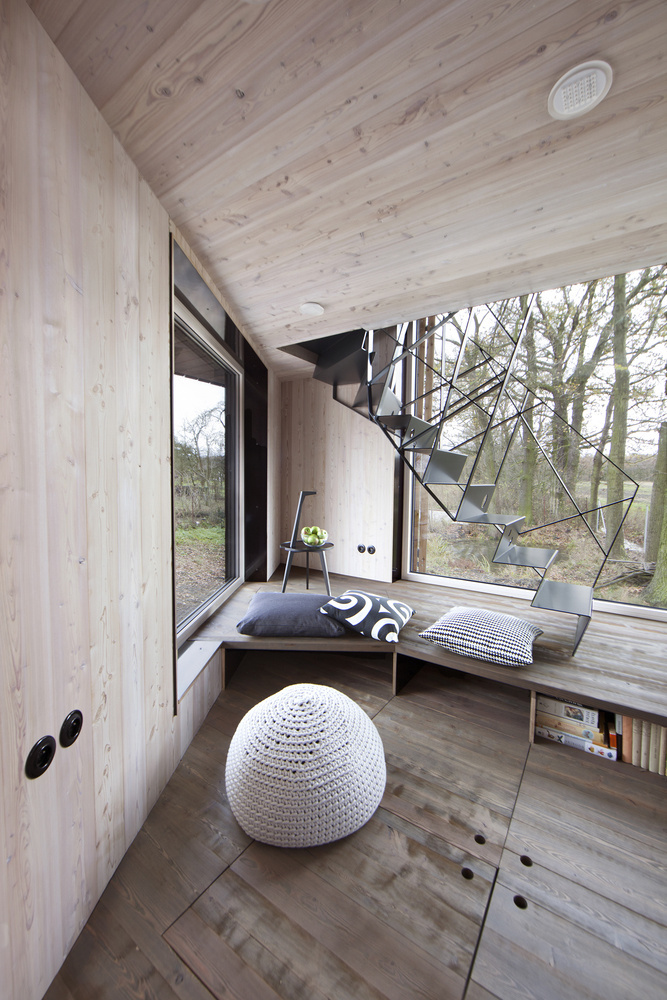Low-energy wooden house