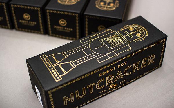 Robot Roy, The Nutcracker Toy on Behance #robot #graphic #illustration #gold #foil