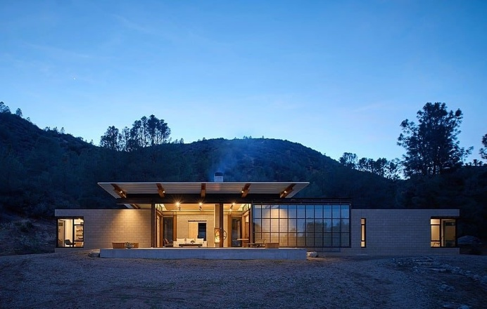 Sawmill Retreat by Olson Kundig Architects