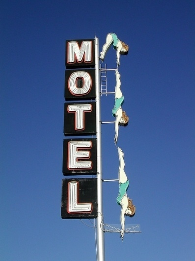 Serendipity Daisy: Motel by robsv on Flickr. #diver #typography #vintage #signage #motel #neon