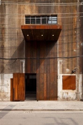 The Black Workshop #wood #door #architecture