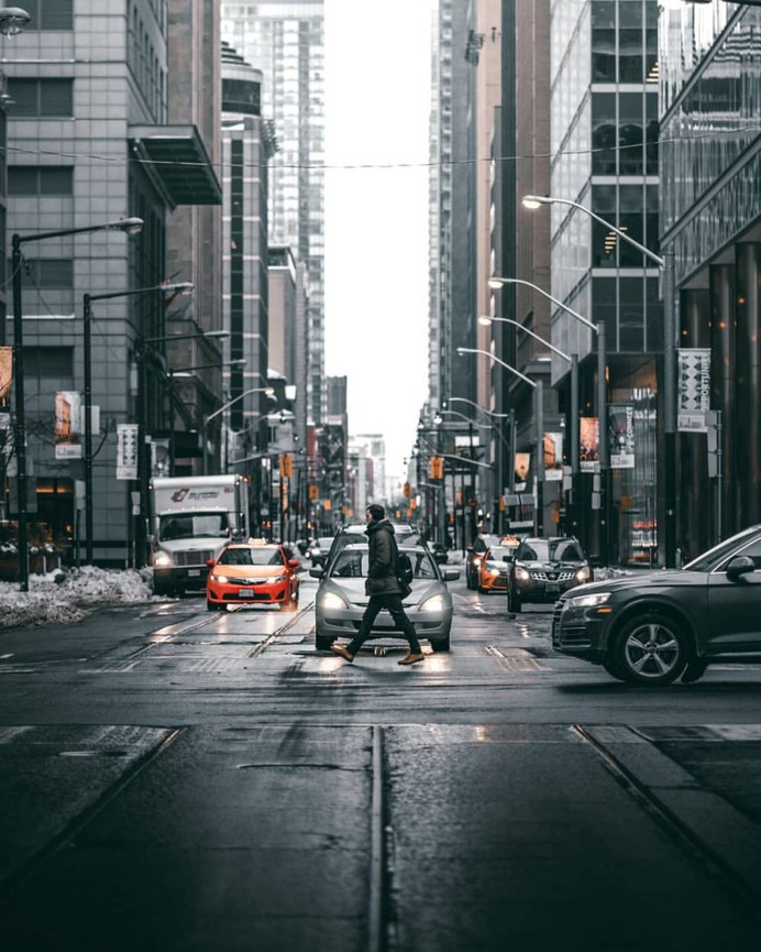 Moody and Cinematic Urban Photos in Toronto by Mathieu Paradis