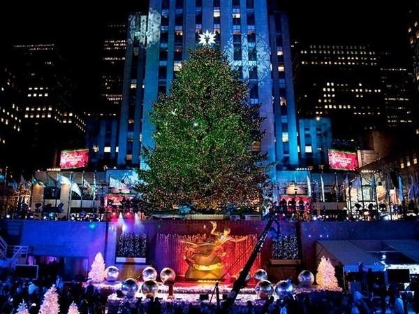 2 New York ceremony with christmas tree #christmas #trees #art #tree