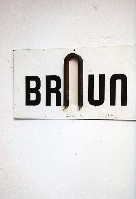 userdeck:Braun sign. #logo #onwall