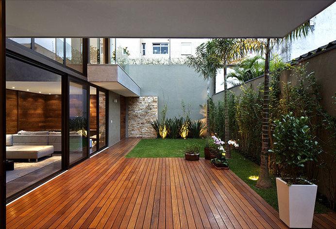 Luxury Vila Madalena with Smooth Indoor Decor dark wood timber outdoor floring #outdoor #architecture #house