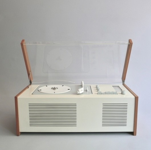 WANKEN - The Blog of Shelby White » Braun Product Collection #radio #braun