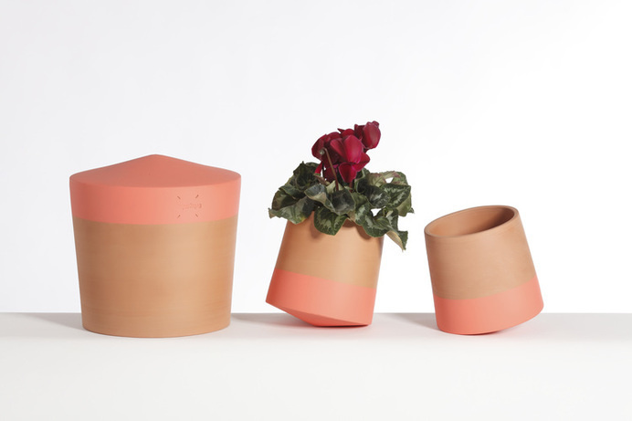 The VoltaSol rolls and spins like a top. This innovative, rolling flower pot brings movement to a traditionally immobile garden decoration. #product #design #innovative #industrial