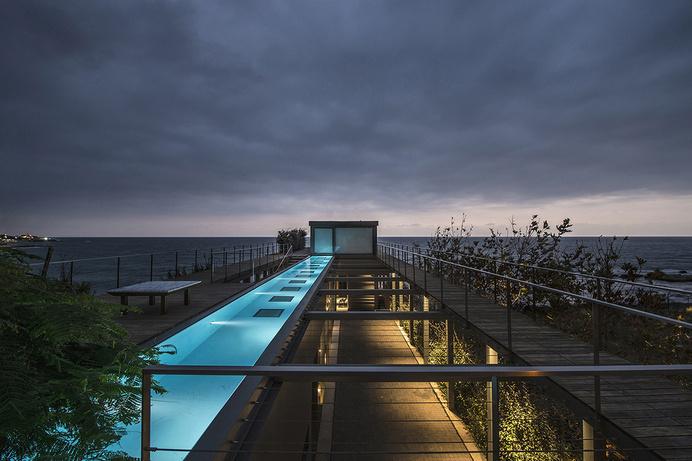 Amchit Residence by Blankpage Architects - www.homeworlddesign. com (4) #architecture #lebanon #house