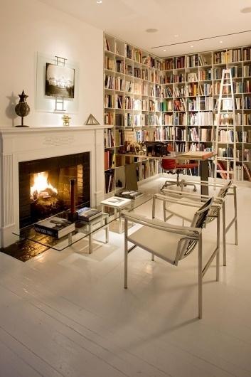 SIMONS-HOUSE-45.jpg (JPEG Image, 600x900 pixels) #interiors #architecture #books