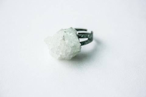 Firōzā #cluster #crystal #pulse #design #jewelry #parallel #ring #translucent