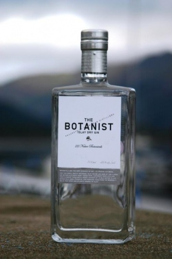 Google Image Result for http://www.peatymalts.com/images/upload/images/productpic_1818.jpg #bottle #alcohol #label #gin #botanist