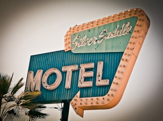 Sign Language: Photographing Vintage Signs | Jeannie Huang #typography #signage